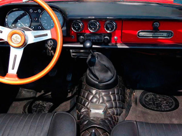 """Interno Alfa Romeo Spider """"Coda Tronca"""" 1.3 Junior"""